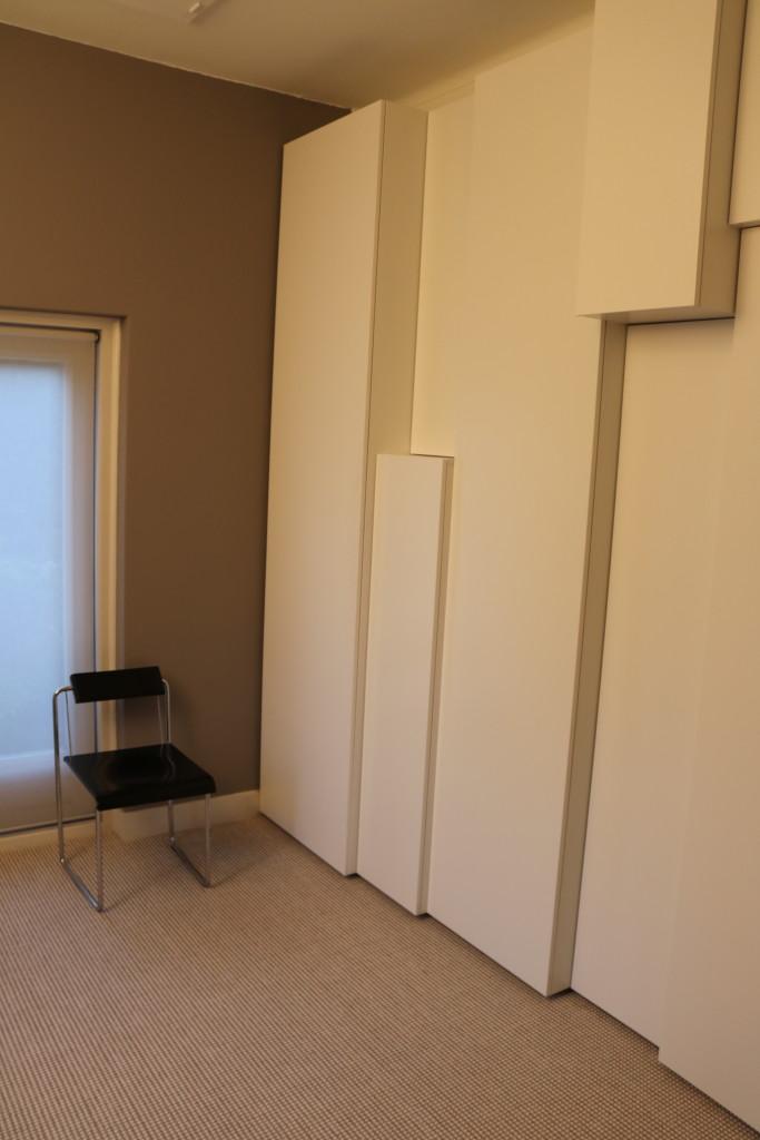 design-garderobkast-meubelmaker-slaapkamer-maatwerk-meubelmakerij-houtenmaatwerk