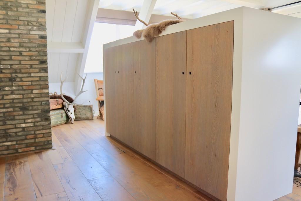 hoofdeind-kast-slaapkamer-kast-garderobekast-op-maat-maatwerk-meubelmakerij-meubelmaker